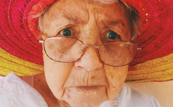 おばあちゃん(外国人)の写真